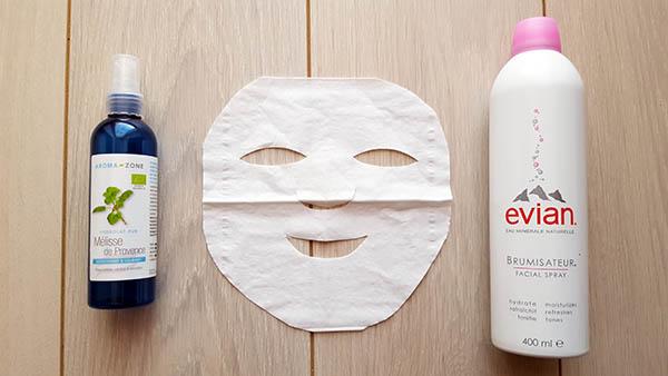 Le masque de coton issus de la tradition de beauté japonaise offre un soin complet au visage, hydratant et assouplissant