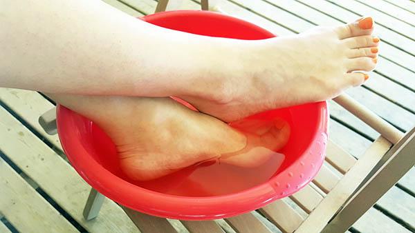 Bilan semaine 3 de mon d fi retrouver de beaux pieds au naturel - Bain de pied au gros sel et vinaigre ...