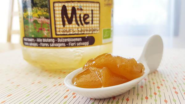 Dans la cure pollen miel citron, le miel apporte tous ses bienfaits pour nous donner de l'energie et nous aider à retrouver le sommeil