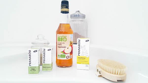 Ce sérum maison naturel à base d'huile végétale de calophyle, d'huiles essentielles de pamplemousse et de cèdre de l'atlas et de vinaigre de cidre va vous aider à réduire la cellulite localisée sur vos jambes et vos cuisses