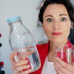 L'eau est-elle vraiment la meilleure boisson anti-acné ?
